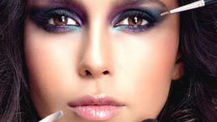 Makyajla İlgili Bilmeniz Gereken Tüyolar