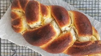 Örgü çörek nasıl yapılır hem görünüşü hem tadı ile kaçınılmaz lezzet!