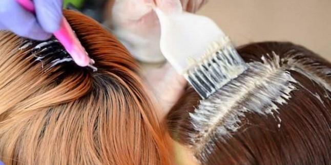 Evde saç nasıl boyanır? Dip boyası gelenler için çözüm önerileri