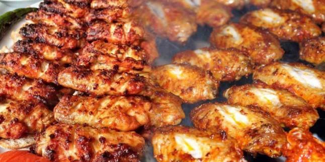 Kanat nasıl pişirilir? En kolay fırında soslu tavuk kanadı tarifi