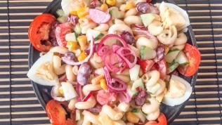 Kolay Salata Tarifi: Makarna Salatası