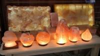 Ortamdaki havayı adeta yeniliyor! Tuz lambasının faydaları nelerdir?