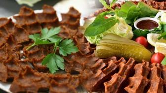 Pratik etli çiğ köfte nasıl yapılır? En kolay çiğ köfte tarifi…