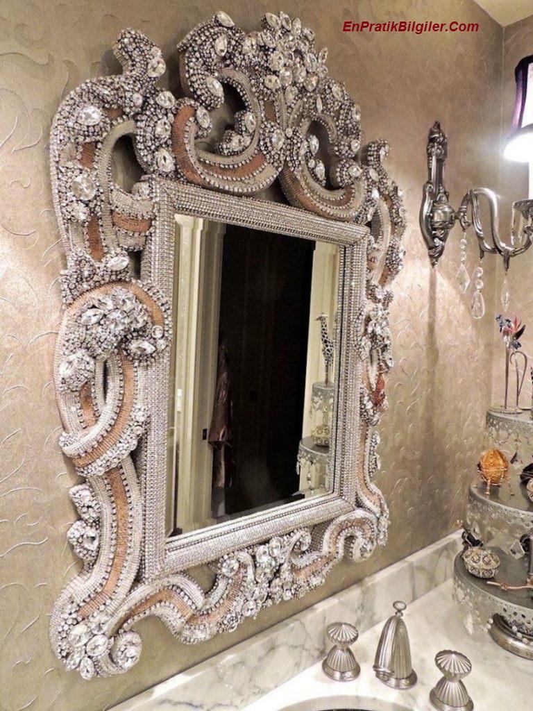 quarky-mirror